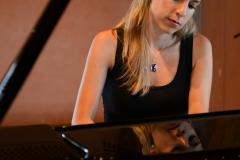 Katia-Braunschweiler-playing